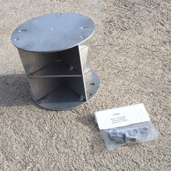 Radar reflector for cylindric mast