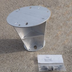 Radar reflector for conic mast