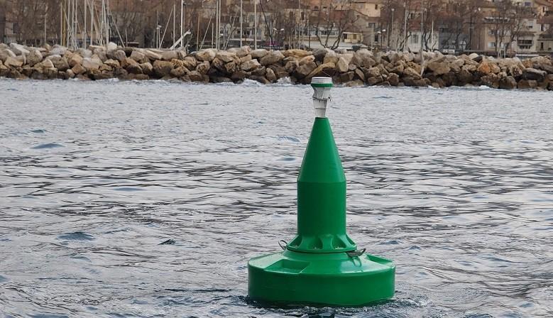 FullOceans FLC1200 navigation aid buoy